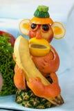 Un singe fait de fruits Photographie stock libre de droits