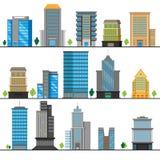 Un sistema de diversos objetos del edificio Edificios de varios pisos en diversos diseños Ilustración del vector