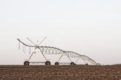 Un sistema de irrigación moderno de centro del pivote Fotografía de archivo libre de regalías
