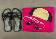 Un sistema de los accesorios para nadar en la piscina Fotografía de archivo