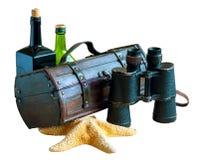 Un sistema de los artículos vintages para el viajero, pirata, cazador de tesoros Aislado en blanco fotos de archivo