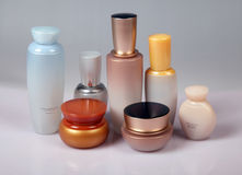 Cuidado de piel y productos de belleza Fotos de archivo libres de regalías