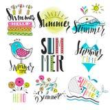Un sistema de símbolos y de iconos del verano Resto, viaje e inscripciones Fotos de archivo libres de regalías