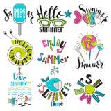 Un sistema de símbolos y de iconos del verano Resto, viaje e inscripciones Fotografía de archivo