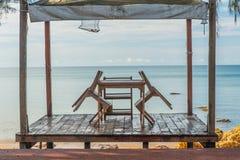 Un sistema de sillas de playa Fotos de archivo