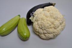 Un sistema de verduras - col, calabacín, berenjena Fotos de archivo libres de regalías