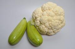 Un sistema de verduras - col, calabacín, berenjena Imagen de archivo libre de regalías