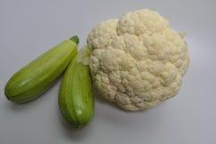 Un sistema de verduras - col, calabacín, berenjena Fotos de archivo