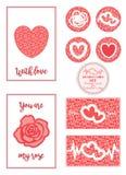 Un sistema del día del ` s de la tarjeta del día de San Valentín de tarjetas con las rosas, los corazones simples y los saludos Foto de archivo