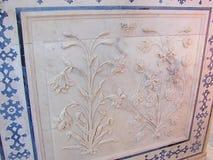 Un soffitto ornato in Amer Palace, Jaipur, Ragiastan, India immagini stock
