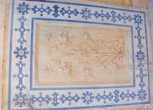 Un soffitto ornato in Amer Palace, Jaipur, Ragiastan, India fotografia stock libera da diritti