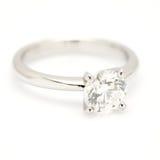 Un solitaire de diamant de carat. Photo stock