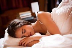Un sommeil de la bonne nuit images libres de droits