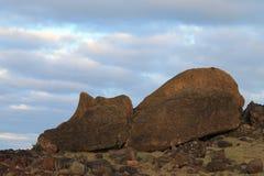 Un sommeil Moai, île de Makihi de Pâques photo stock