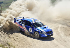 Un Subaru Impreza sur le chemin Photos stock