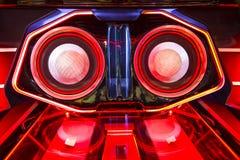 Un système audio puissant avec les orateurs d'amplificateurs et le moniteur d'affichage à cristaux liquides Photos libres de droits