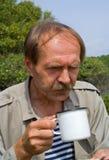 un tè dei 2 uomini delle bevande Immagine Stock Libera da Diritti