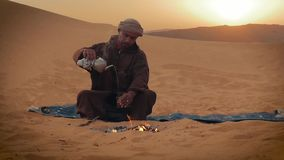 Un té en el desierto almacen de video