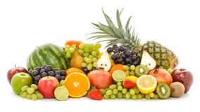 Un tas de beaucoup de différents fruits tropicaux d'isolement sur le fond blanc photos stock