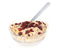 Un tazón de fuente de cereal de desayuno americano y de fruta seca Foto de archivo