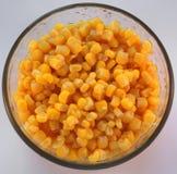 Un tazón de fuente de maíz amarillo fotos de archivo libres de regalías