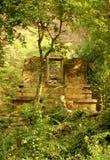 Un temple abandonné dans le complexe sittanavasal de temple de caverne images stock