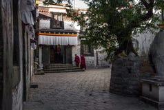 Un temple dans Rikaze, Thibet, temple de Zhashilunbu images libres de droits