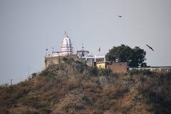Un templo hermoso en una cumbre foto de archivo libre de regalías