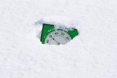 Un termometro in neve Immagine Stock Libera da Diritti