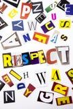 Un texte d'écriture de mot montrant le concept du respect fait en lettre différente de journal de magazine pour le cas d'affaires photo libre de droits