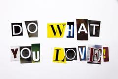 Un texte d'écriture de mot montrant le concept de font ce que vous aimez fait de la lettre différente de journal de magazine pour Images libres de droits