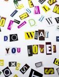 Un texte d'écriture de mot montrant le concept de font ce que vous aimez pour vous avez fait de la lettre différente de journal d Photo stock