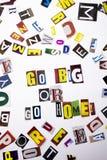 Un texte d'écriture de mot montrant le concept Go grand ou rentrent à la maison fait de la lettre différente de journal de magazi Photographie stock