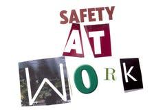 Un texte d'écriture de mot montrant le concept de la sécurité au travail fait en lettre différente de journal de magazine pour le Images stock