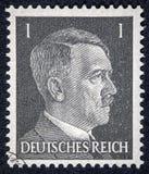 Un timbre imprimé en Allemagne montre l'image d'Adolf Hitler photographie stock libre de droits