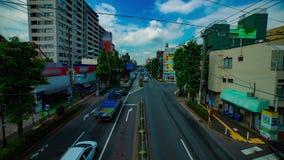 Un timelapse de la calle céntrica en la avenida de Kanpachi en la inclinación tirada amplia diurna de Tokio almacen de video
