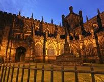 Un tiro crepuscular de la catedral de Chester Foto de archivo