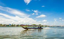 Un tour scénique de bateau autour du Kohkret Photos libres de droits