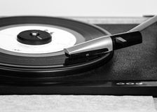 Un tourne-disque plus âgé Images libres de droits