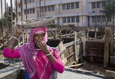 Un trabajador de sexo femenino indio Foto de archivo