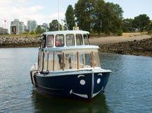 Un traghetto pubblico utilizzato per trasportare i passeggeri intorno ad un porto nel Canada del Nord Fotografia Stock