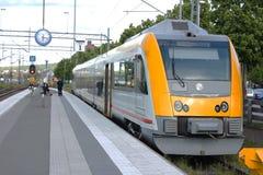 Un train urbain suédois Images libres de droits