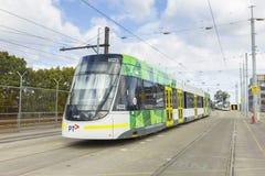 Un tram classe e in un deposito della città a Melbourne Immagine Stock