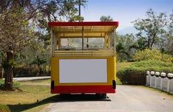 Un tram turistico nel parco Fotografia Stock Libera da Diritti