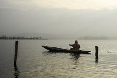 Un tramonto bello a Dal Lake Kashmir, India durante l'inverno Fotografia Stock Libera da Diritti