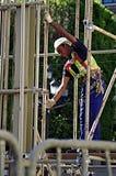 Un travailleur sur un échafaudage 97 Photo stock