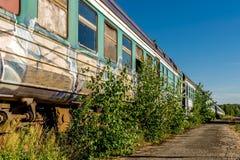 Un tren construido viejo soviet abandonado imagen de archivo