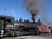Un tren de pasajeros histórico en la estación en New México almacen de video