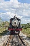 Un tren está viniendo Imagen de archivo libre de regalías