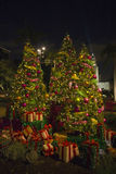 Arbre de Noël avec des cadeaux Images stock